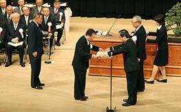 緑十字金章・銀章の表彰式